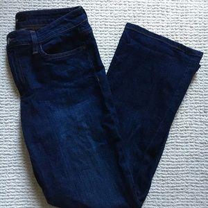 CURVY BOOT CUT: joe's jeans. size: 31. wash: myca
